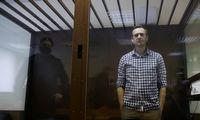 Rusijos kalėjimų pareigūnai grasina maitinti A. Navalną per prievartą