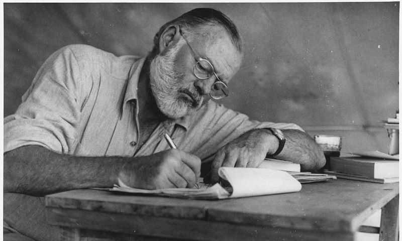 "Ernestas Hemingway'us Kenijoje, 1953 m. ""commons.wikimedia.org"" nuotr."