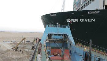 Sueco kanalą blokavęs laivas areštuotas, kol nebus sumokėta 900 mln. USD kompensacija