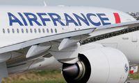 """""""Air France-KLM"""" per naują akcijų emisiją tikisi pritraukti beveik 1 mlrd. Eur"""