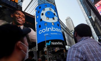 """Coinbase"" biržoje debiutavo 99,6 mlrd. USD įverčiu"