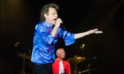 M. Jaggeris karantino pabaigą pasveikino nauja daina