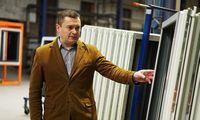 Nauji savininkai atgaivino merdinčius Alytaus langų gamintojus, investuos dar apie 10 mln. Eur