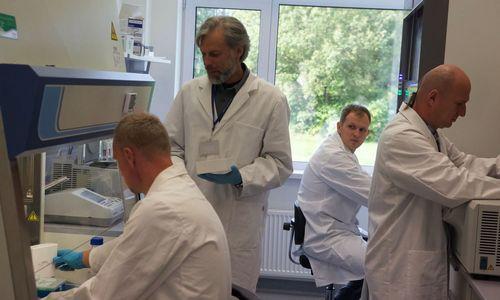 Lietuviai sukūrė unikalius vaistus nuo aklumą sukeliančios ligos, ieško investicijų