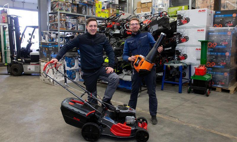 "Nerijus Čeponis, UAB ""Reikalų gausa"" vadovas (kairėje) ir Ernestas Marozas, UAB ""Reikalų gausa"", valdančios el. parduotuvę ""toolsta.lt"", bendraįkūrėjas. Juditos Grigelytės (VŽ) nuotr."
