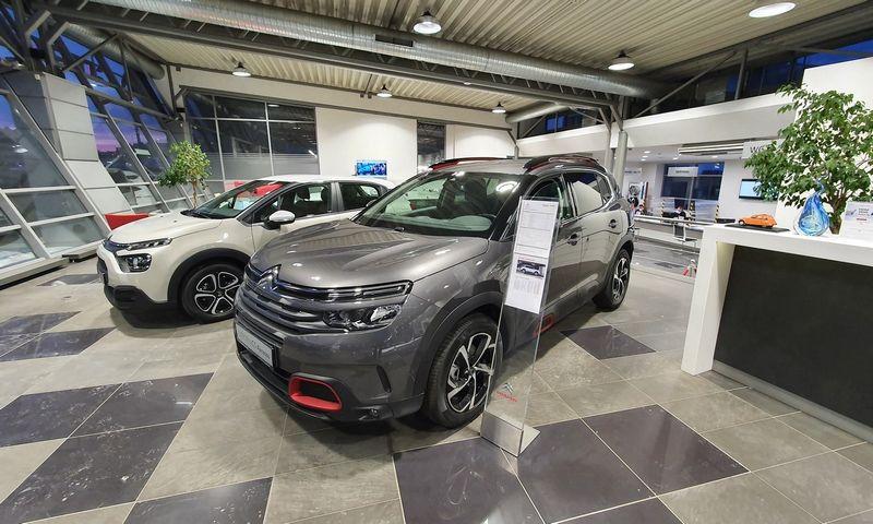 Naujasis savininkų registras nutaikytas į nesąžiningus naudotų automobilių pardavėjus, tačiau liečia absoliučiai visus. Lino Butkaus (VŽ) nuotr.