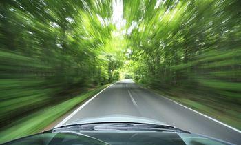 Žaliasis vairavimas – ir degalams taupyti, ir vairuotojams apsaugoti