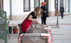 Atsidarančių barų ir restoranų prastas oras negąsdina