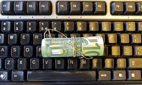 Subsidijų pirmąją dieną kreipėsi 100 įmonių: iš ko galima rinktis