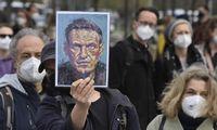 Rusijoje auga protestų kaina: A. Navalno ir jo organizacijos likimas – pakibęs ant plauko