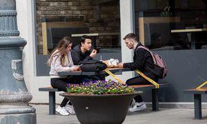 Išlaidosbaruose ir restoranuose pirmąją jųatlaisvinimo dienąaugo 63%