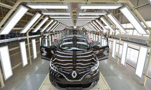 """Konkurentams augant, """"Renault"""" toliau krenta: viskas dėl Kinijos"""