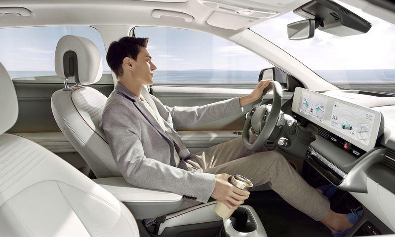 """""""Hyundai Ioniq 5"""" – pirmasis su naujos kartos elektromobilio platforma pristatytas HMG modelis. """"Hyundai Motor Europe"""" nuotr."""
