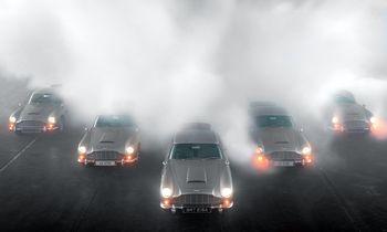 """""""Aston Martin"""" istorija: nuo meilės lenktynėms iki populiarumo kino ekranuose"""