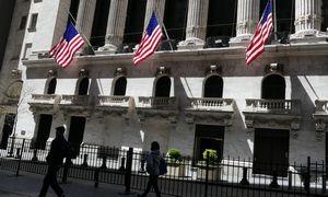 """Investuotojai neapsisprendžia dėl rezultatų, """"Apranga"""" dėl uždarymų neuždirbo 2,5 mln. Eur"""