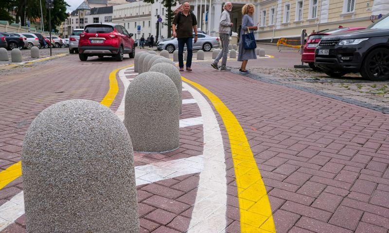 Kilpinis eismas Vilniaus senamiestyje. Vladimiro Ivanovo (VŽ) nuotr.