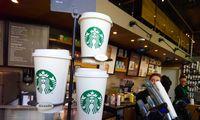 """""""Starbucks"""" pelnas pastarąjį ketvirtį padvigubėjo"""