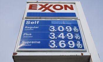 """""""Exxon Mobil"""" nutraukė keturių nuostolingų ketvirčių seriją"""