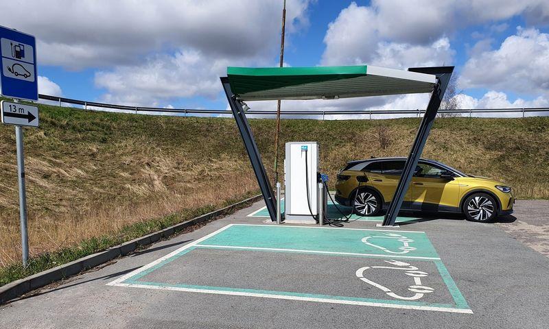 Iki 5.000 Eur padidintos kompensacijos turėtų paskatinti elektromobilių pirkėjus. Lino Butkaus (VŽ) nuotr.