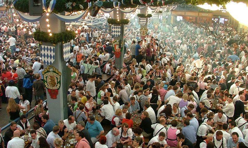 """""""Oktoberfest"""" šventėje. Daivos Sutkutės nuotr."""