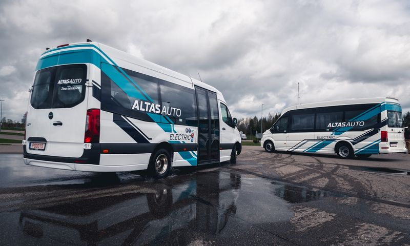"""Altas Auto"" ir ""Elinta Motors"" pristatė lietuviškus serijinius elektrobusus. Vytauto Pilkausko nuotr."