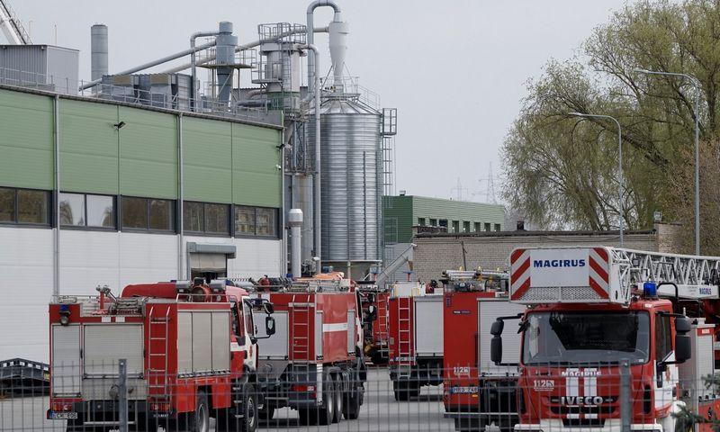 Pranešimas apie sprogimą ir po jo kilusį gaisrą Liepų gatvėje gautas pirmadienį, 12.39 val.Algimanto Kalvaičio nuotr.