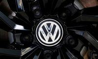 """""""Volkswagen"""" pelnas augo, nepaisant puslaidininkių trūkumo"""