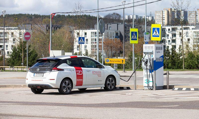 Juridiniai asmenys suformuoja didžiąją dalį Lietuvos elektromobilių rinkos. Juditos Grigelytės (VŽ) nuotr.