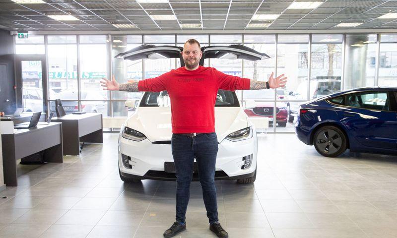 """Laurynas Boguševičius, elektromobilių salono """"eDow"""" direktorius. Juditos Grigelytės (VŽ) nuotr."""