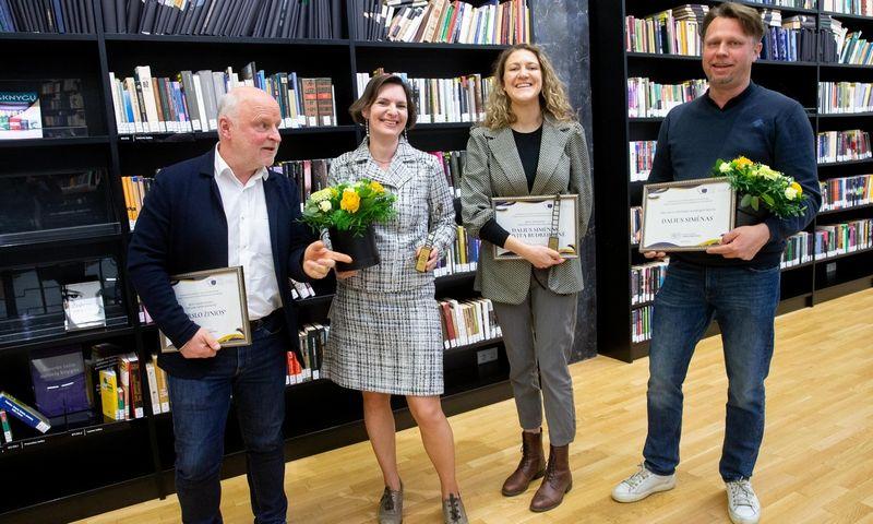 Rolandas Barysas, vyriausiasis redaktorius, Jovita Budreikienė, apžvalgininkė, Liucija Zubrutė, vyr. redaktoriaus pavaduotoja, Dalius Simėnas, apžvalgininkas. Juditos Grigelytės (VŽ) nuotr.