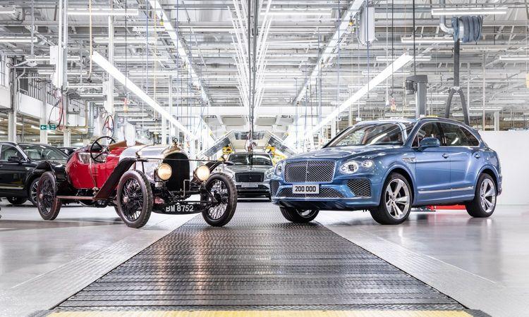 """""""Bentley"""" modernią erą pradeda su 200.000 išskirtinių automobilių"""