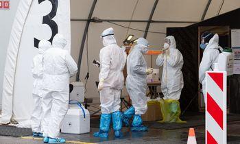 Šeštadienįnustatyti 883 nauji COVID-19 atvejai, mirė aštuoni žmonės