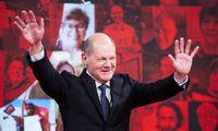 Vokietijos socdemai kandidatu į kanclerius paskelbėO. Scholzą