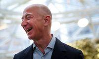 """J. Bezosas gegužę pardavė """"Amazon"""" akcijų už 6,7 mlrd. USD"""