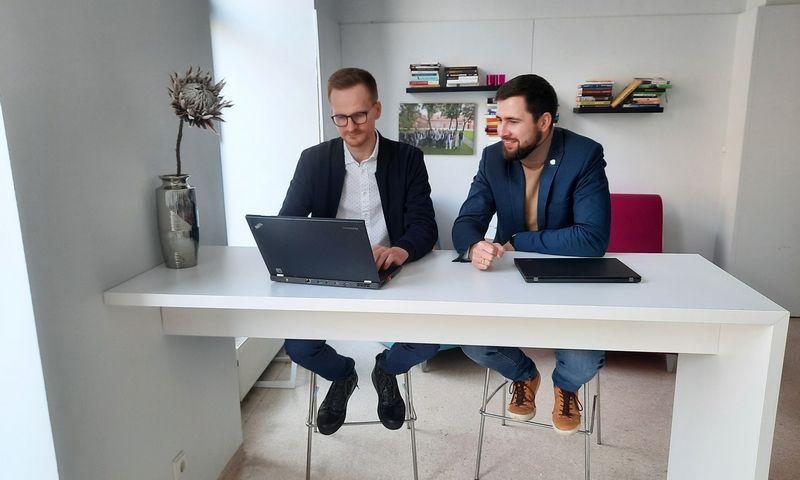 """Emilis Markulis (dešinėje) ir Benas Dobrikas, """"Getfix"""" įkūrėjai. Bendrovės nuotr."""