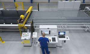"""Lenkų """"Press Glass"""" Kauno LEZ gamykloje įdarbins apie 300 žmonių"""