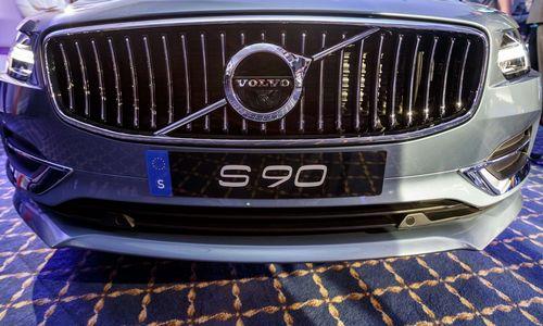 """""""Volvo Cars"""" grįžta prie planų surengti IPO Stokholme"""