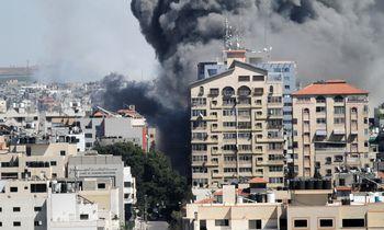 """J. Bidenas: """"Hamas"""" privalo liautis leisti raketas į Izraelį"""