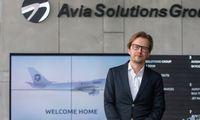 """Besiplečianti """"Avia Solutions Group"""" 35% mažino apyvartą"""