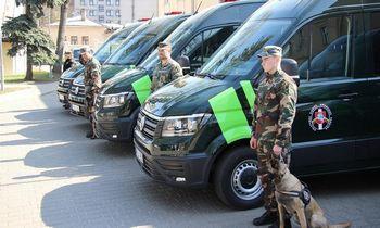 Valstybės sienos apsaugos tarnybos automobiliai visą laiką stebimi