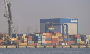 Pasaulinė prekyba per pandemiją atšoko dukart greičiau nei po ankstesnės finansų krizės