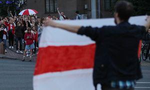 ES pasiruošusi užsukti europinių pinigų kranelį Baltarusijai