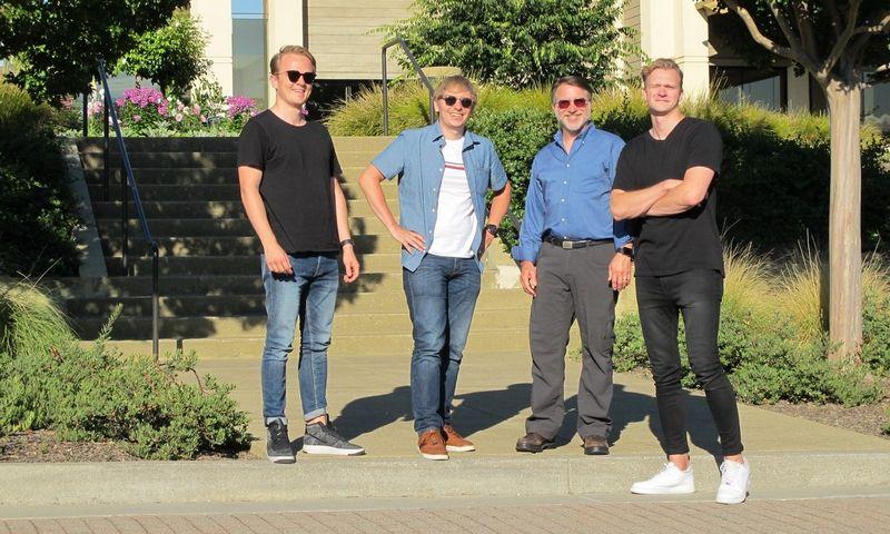 Iš kairės į dešinę: Domantas Jaškūnas, Jonas Simanavičius, Williamas B. Nortonas, Domas Povilauskas.