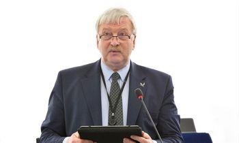 Europarlamentaras Bronis Ropė: kol kas ES žemės ūkio politika – seno kirpimo