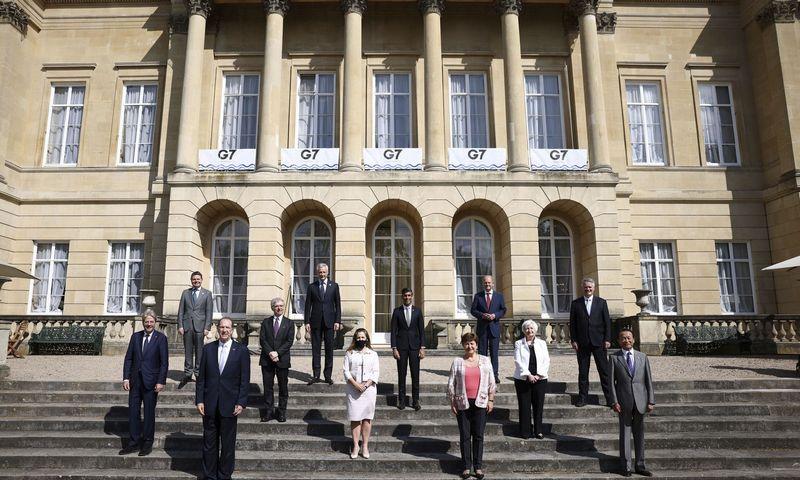 "G7 susitikimo delegatai Londone. Henry Nicholls (AP / ""Scanpix"") nuotr."
