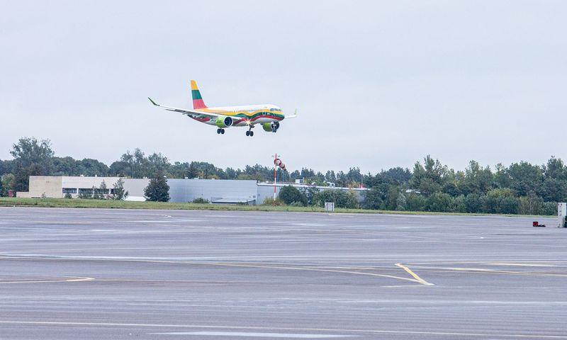 Virš Lietuvos dažnėja lėktuvų skrydžiai. Juditos Grigelytės (VŽ) nuotr.