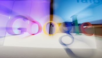 """Prancūzija """"Google"""" skyrė 220 mln. Eur baudą"""