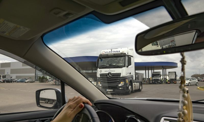 Lietuvos vežėjai ieško 10.000 tarptautinių reisų sunkvežimių vairuotojų. Algimanto Kalvaičio nuotr.
