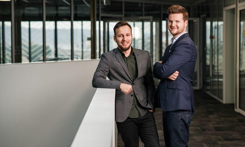 """Žygimantas Mikšta (kairėje) ir Vytis Uogintas, """"Eneba"""" kūrėjai. Įmonės nuotr."""