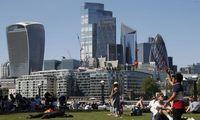 Po karantino laisvėjanti JK ekonomika ūgtelėjo 2,3%